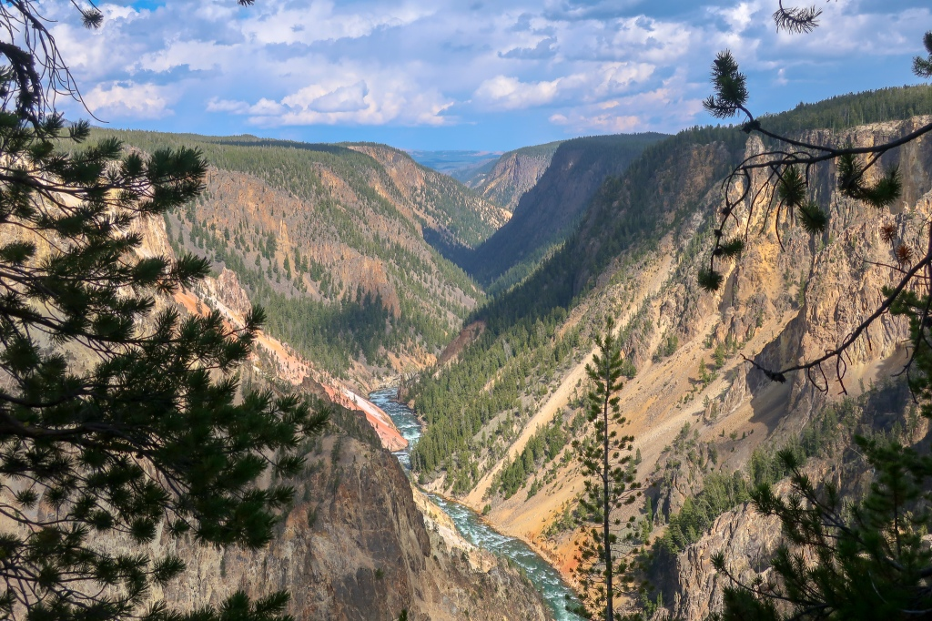 yellowstone river grand canyon of the yellowstone national park itinerary guide beginners