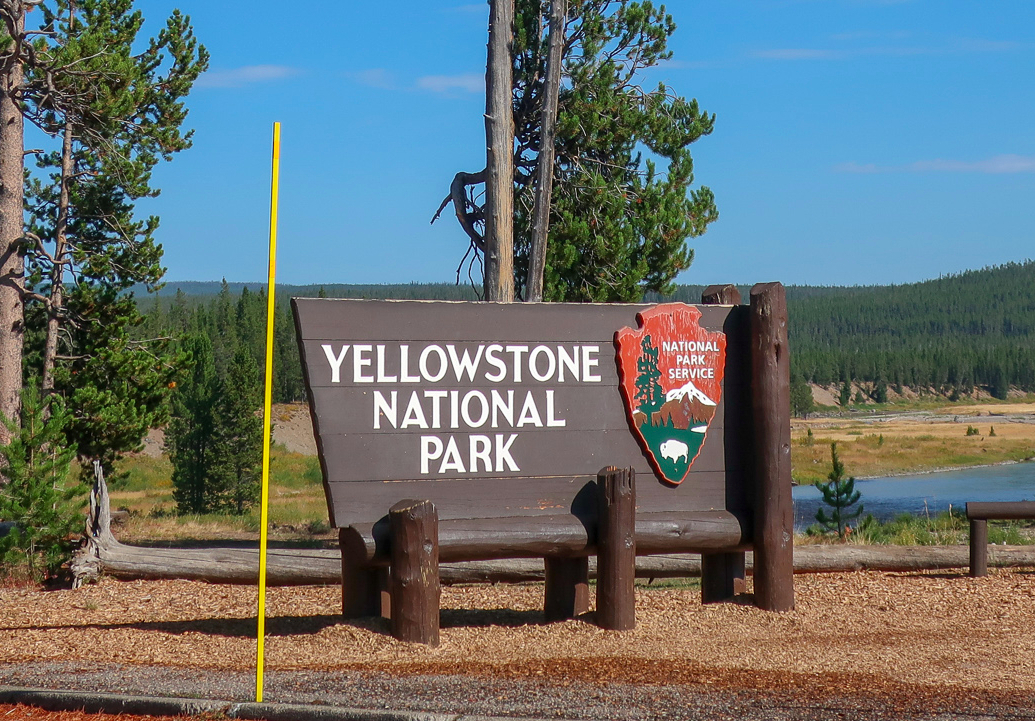 welcome sign yellowstone national park southern entrance